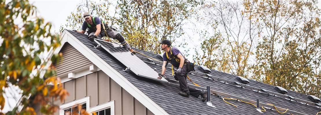 Local Contractors installing Energy Efficient Solar Panels